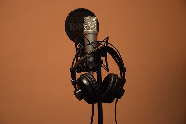 Best Bluetooth Headphones For Video Editing